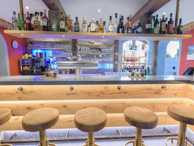 Superb Apart Hotel Pizzeria San Antonio Restaurant Ibusinesslaw Wood Chair Design Ideas Ibusinesslaworg